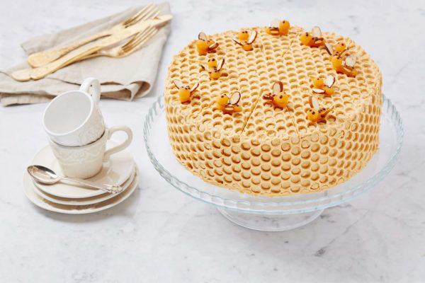 Торт Медовик с черносливом фото 3